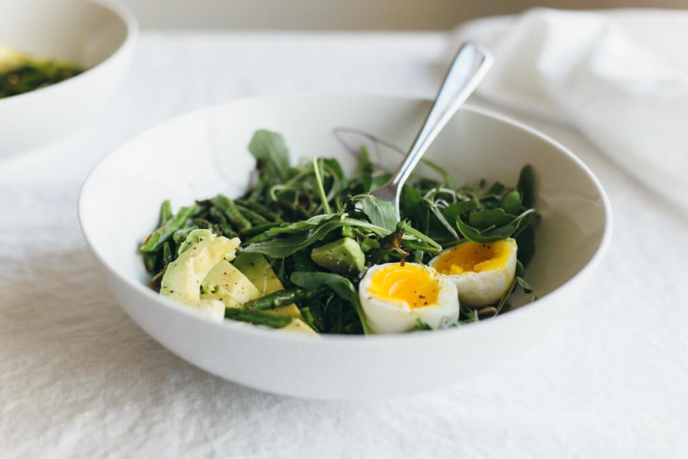 arugula-asparagus-and-avocado-breakfast-salad-1-8